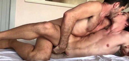 Michael Lucas with another muscle stud, but ends up being the bottom bitch! I like to go somewhere warm when winter arrives. I hate cold weather.